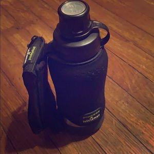 Lululemon amphipod water bottle